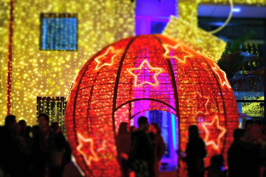 Colombia in kleur - rood - kerst in Bogotá