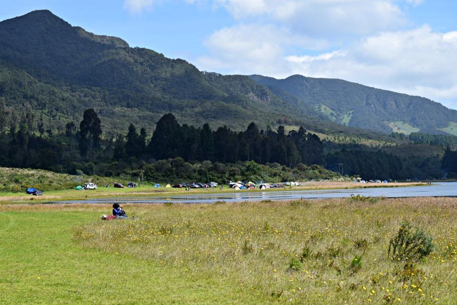 Het meer van Neusa: kamperen