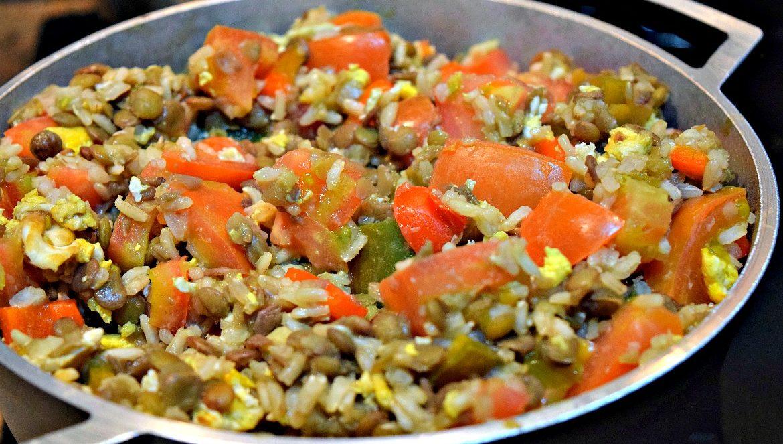 Colombiaanse linzen met rijst