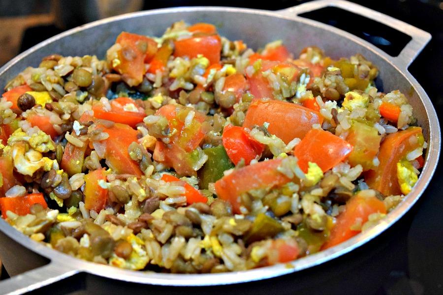 Colombiaans recept: rijst met linzen en groente