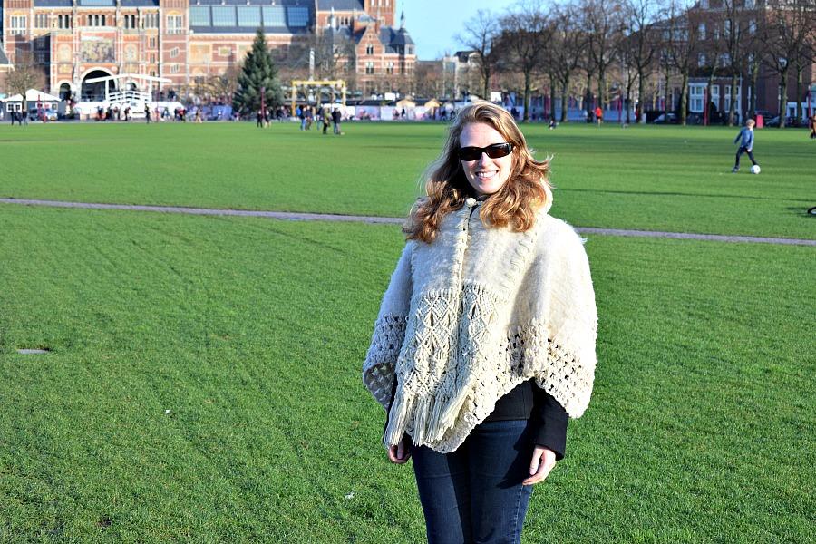Ik met poncho in Amsterdam