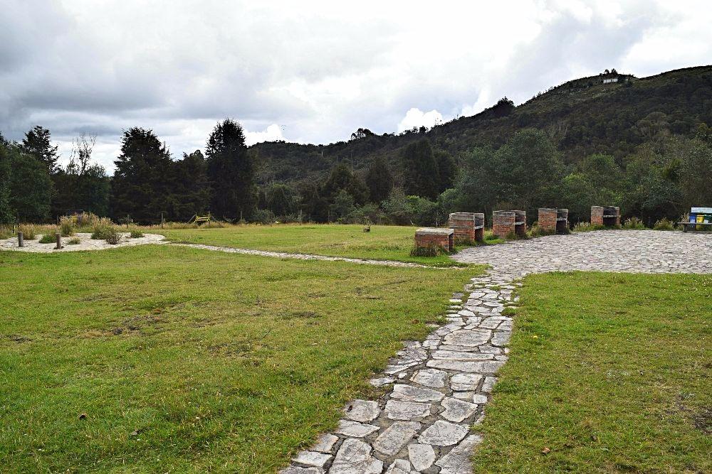 Buiten de gebaande paden Colombia kamperen - Parque Pionono