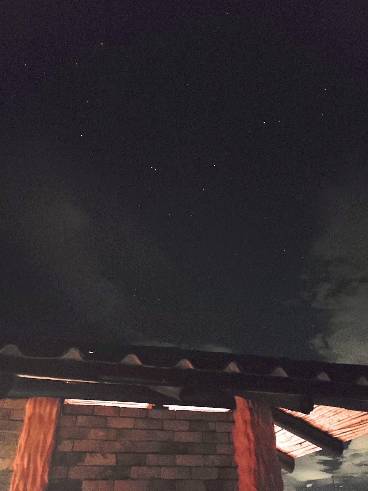 Volle maan en sterren