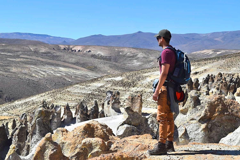 Rots formaties onderweg naar Colca Canyon Peru