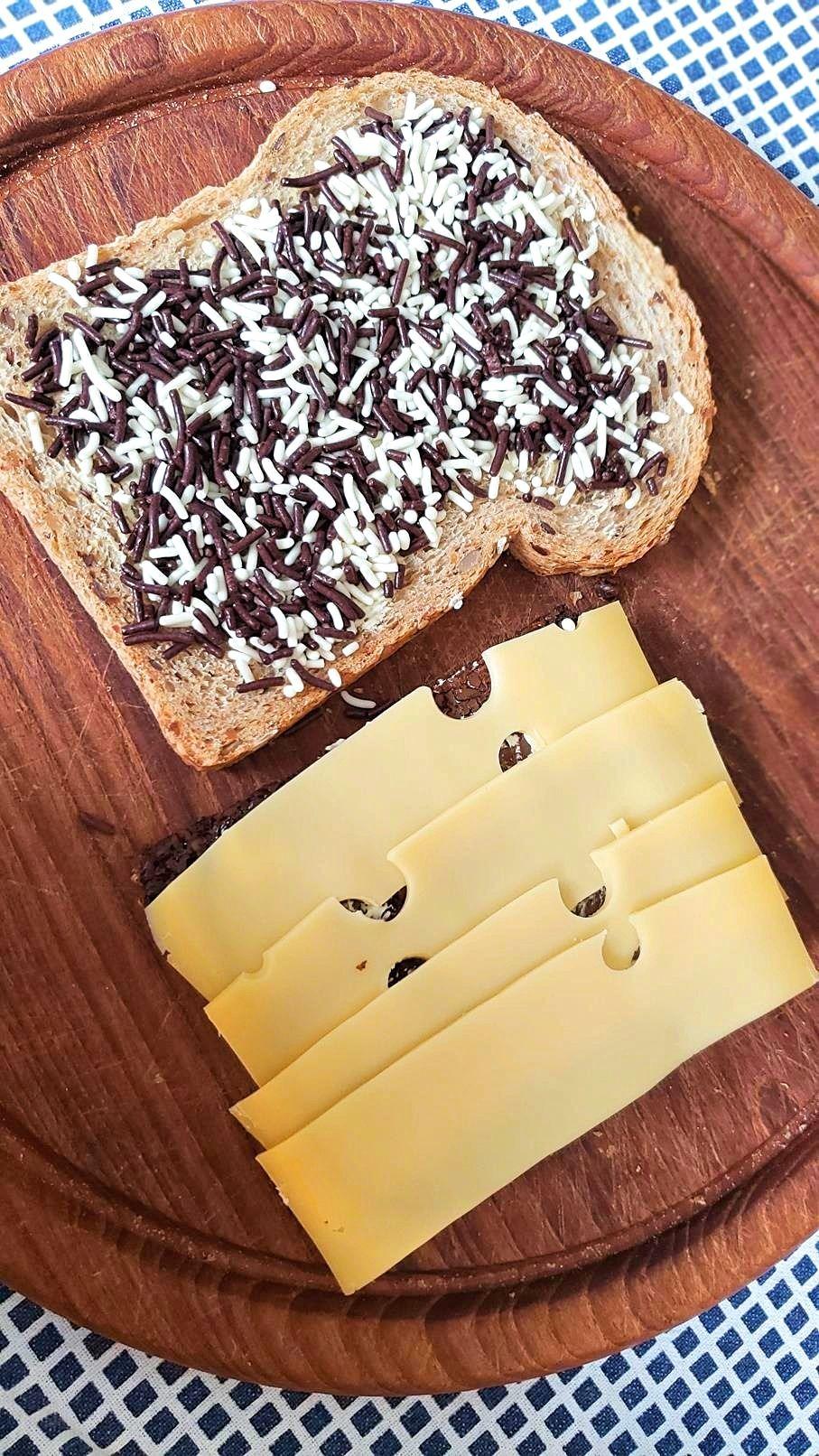 Brood met hagelslag en kaas