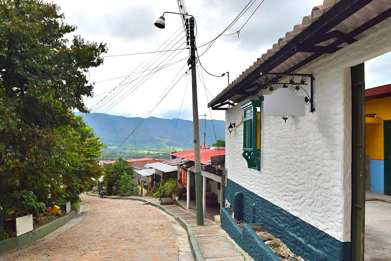 Camino Real Guaduas Colombia