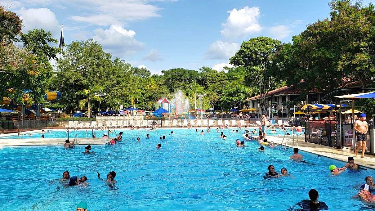Piscilago Colombia waterpark en dierentuin