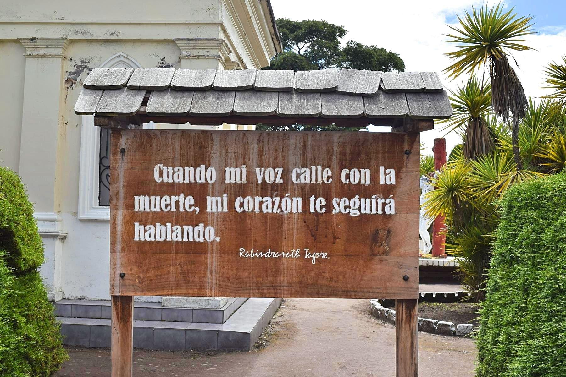 Grens over van Colombia naar Ecuador
